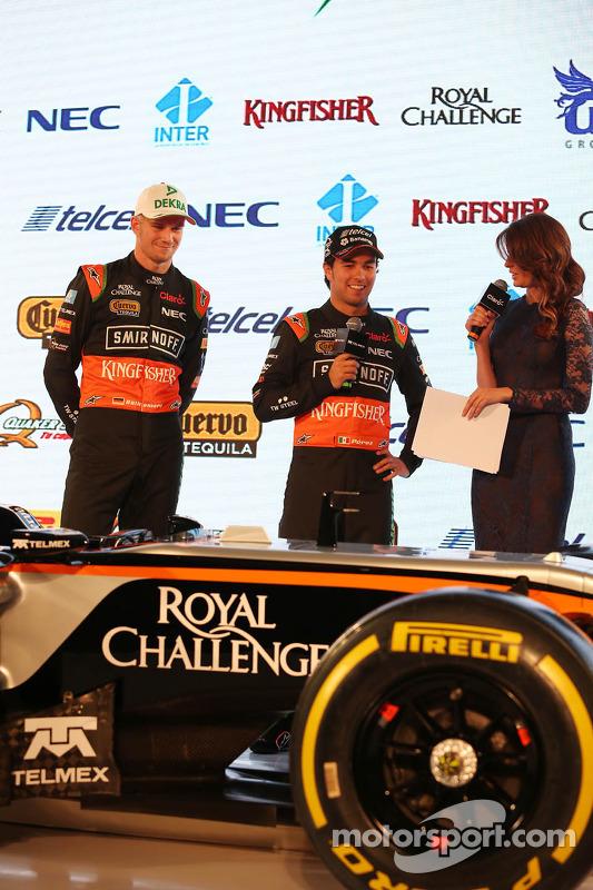 (Von links nach rechts): Nico Hülkenberg, Sahara Force India F1, mit Teamkollege Sergio Perez, Sahara Force India F1