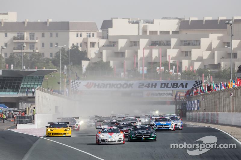 Start: #12 Fach Auto Tech, Porsche 997 GT3 R: Otto Klohs, Martin Ragginger, Jens Richter, Sven Mülle