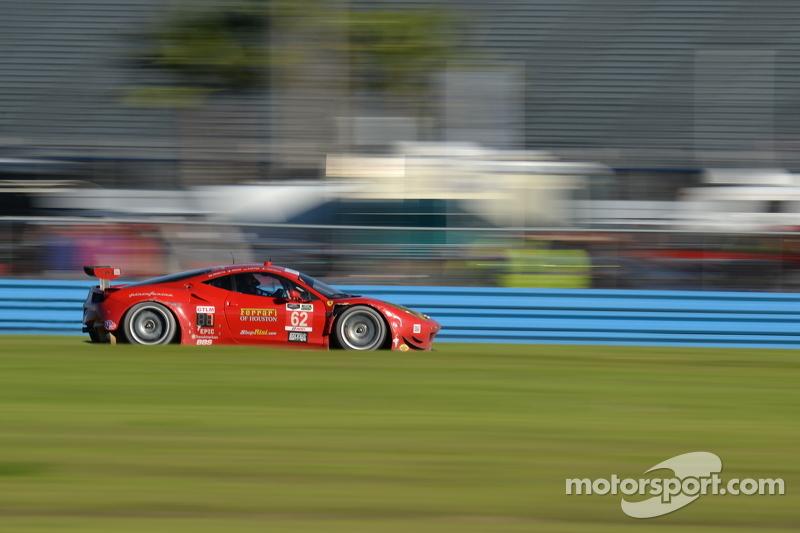 #62 Risi Competizione Ferrari F458: Pierre Kaffer, Davide Rigon, Giancarlo Fisichella, Olivier Beret