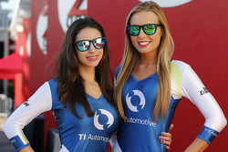 Belle ragazze TI Automotive