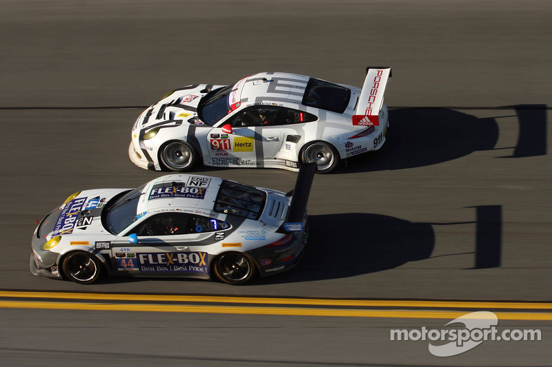 #44 Magnus Racing Porsche 911 GT America: John Potter, Andy Lally, Marco Seefried, Martin Ragginger,