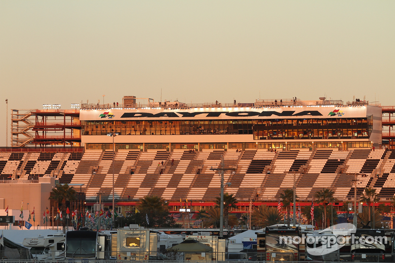 Die Sonne geht auf über Daytona