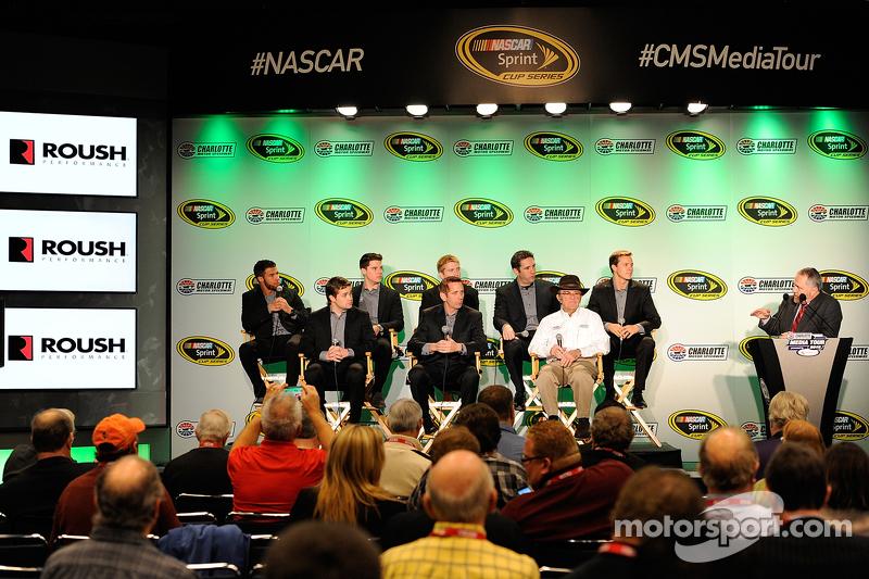 Darrell Wallace jr., Ryan Reed, Chris Buescher, Elliott Sadler, Trevor Bayne, Ricky Stenhouse jr., Greg Biffle und Jack Roush, Roush Fenway Racing