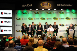 Darrell Wallace jr., Ryan Reed, Chris Buescher, Elliott Sadler, Trevor Bayne, Ricky Stenhouse jr., Greg Biffle und Jack Roush, Roush Fenway Racing