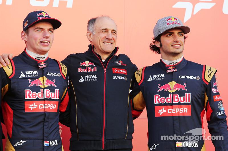 (Von links nach rechts): Max Verstappen, Scuderia Toro Rosso; Franz Tost, Teamchef Scuderia Toro Ros