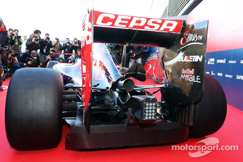 Scuderia Toro Rosso STR10, Heckflügel und Auspuff, Detail