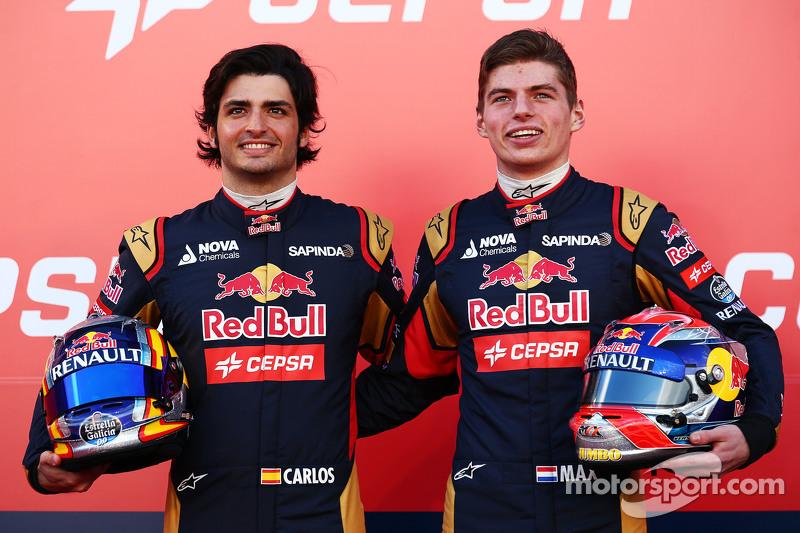 Entraram Max Verstappen e Carlos Sainz, parceiros de equipe por um ano e meio.