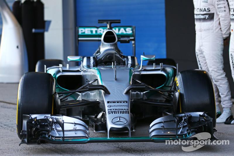Der Mercedes AMG F1 W06 wird enthüllt