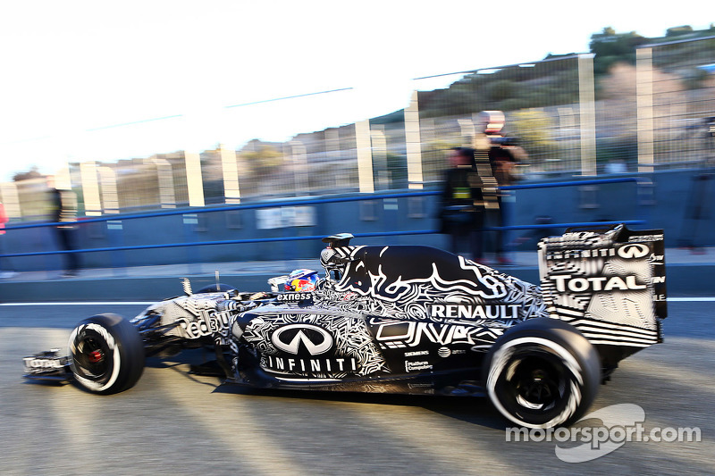 Camouflage-Design bei Red Bull bei den Wintertestfahrten 2015