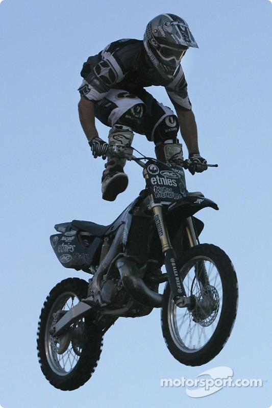 Freestyle motocross show : des figures incroyables