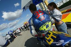 Chris Burns on the starting grid