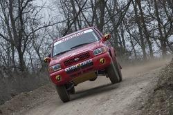 Benoit Rousselot and Philippe de Weindel test the Nissan Terrano