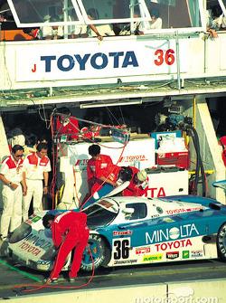#36 Toyota 90C-V: Geoff Lees, Masanori Sekiya, Hitoshi Ogawa