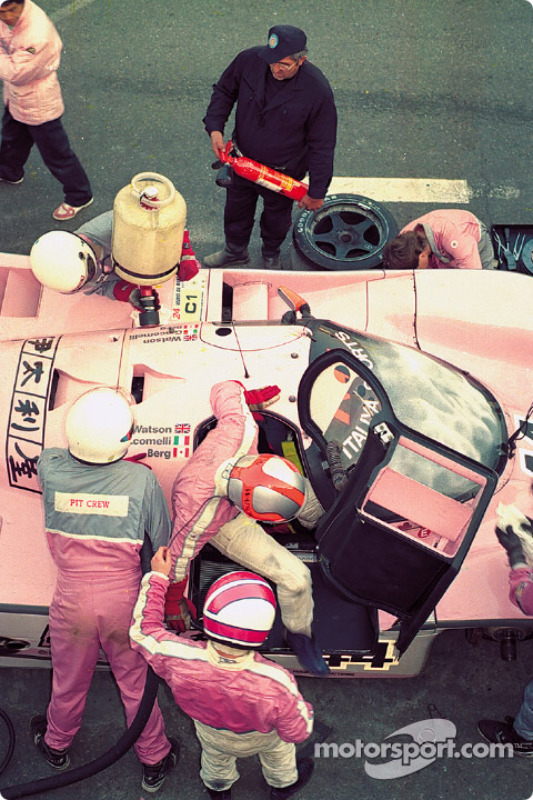 #44 Richard Lloyd Racing porsche 962c: John Watson takes over from Allen Berg
