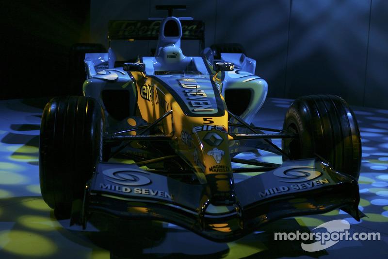 2005: 雷诺 R25