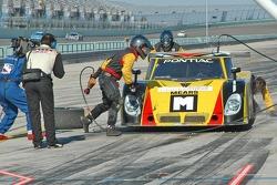 Pitstop for #6 Michael Shank Racing Pontiac Riley: Mike Borkowski, Paul Mears Jr.