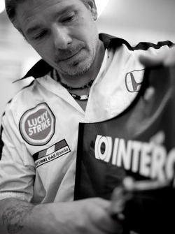 BAR-Honda miembro del equipo en el trabajo