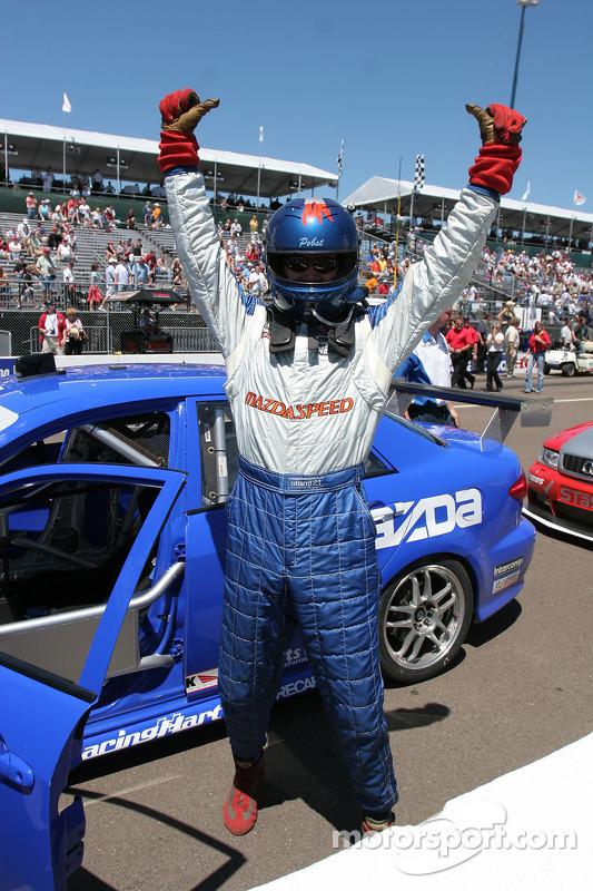 Randy Pobst célèbre sa victoire