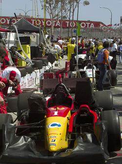 Team McDonald's - Newman Haas team prepares for the race