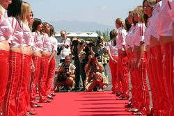 Shooters meet grid girls