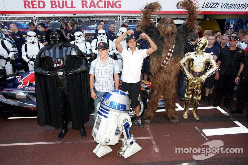 (F1) Darth Vader en el pit de Red Bull