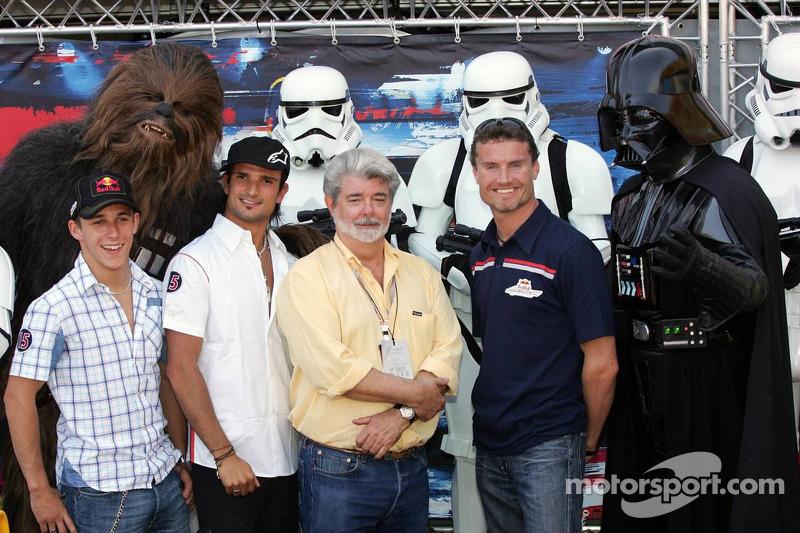 (F1) Christian Klien, Chewbacca, Vitantonio Liuzzi, David Coulthard, George Lucas y Darth Vader