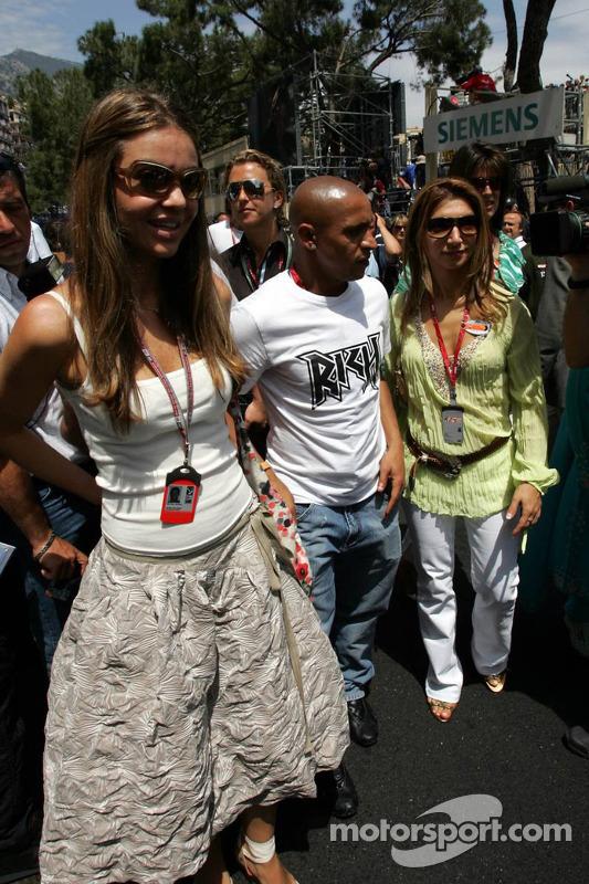 Simone Abdelnour y Roberto Carlos