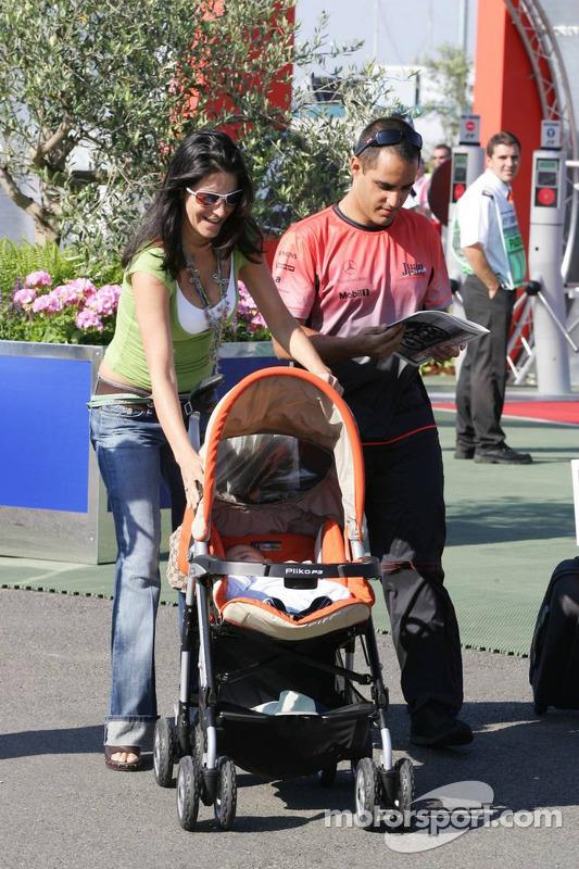 Juan Pablo Montoya con esposa Connie