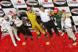 Podium: race winner Justin Wilson with Oriol Servia, Alex Tagliani, team owner Carl Russo, Paul Newman and Carl Haas