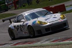 #97 Tech 9 Motorsport Porsche 996 GT3 RS: Charoensukhawatana Nattavude, Sontaya Kunplome, Inthraphuvasak Vutthikorn