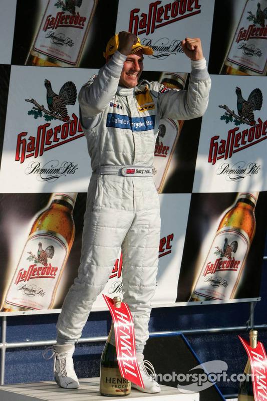 Le vainqueur Gary Paffett sur le podium