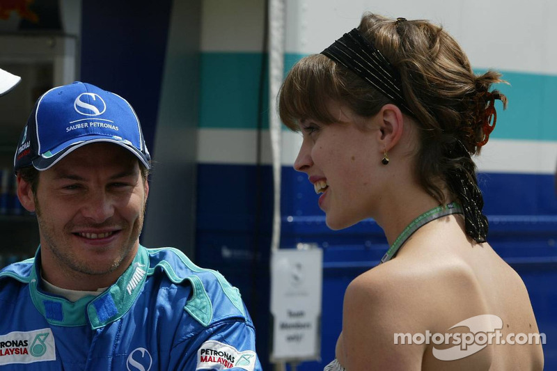Jacques Villeneuve con su novia Ellie