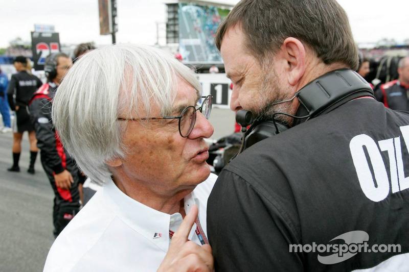 Bernie Ecclestone y Paul Stoddart
