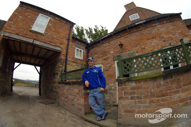 Marco Melandri en su casa en Derby