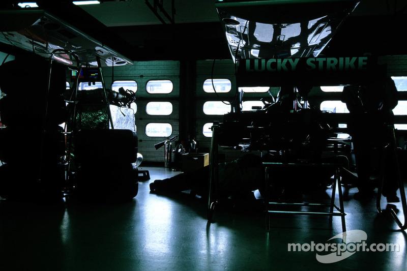 Área de garaje BAR Honda