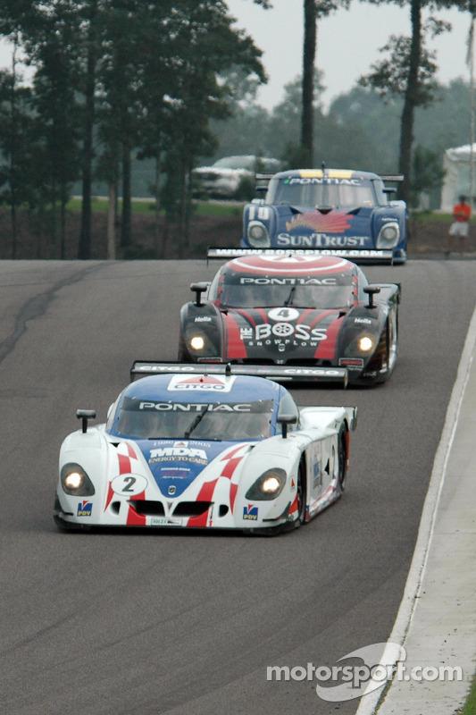 La CITGO - Howard - Boss Motorsports Pontiac Crawford N°2 (Andy Wallace, Milka Duno) et la Pontiac Crawford N°4 (Butch Leitzinger, Elliott Forbes-Robinson)