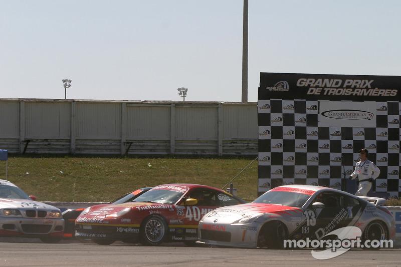 #13 Unitech Racing Nissan 350Z: David Murry, Blake Rosser; #40 Team Sahlen Porsche 996: Joe Nonnamak