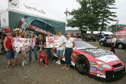 Young fans of Carl Edwards