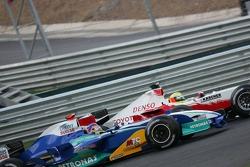 Ralf Schumacher et Jacques Villeneuve à la lutte