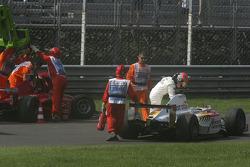 Sergio Hernandez and Ernesto Viso crash