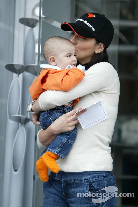 Connie Montoya y bebé Sebastian