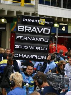 Renault F1 team member celebrates