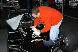 Jeff cleaning the 1978 Lotus 79