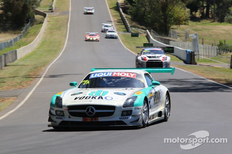 #7 Mercedes SLS AMG GT3: Dean Grant, Ash Samadi, Max Twigg