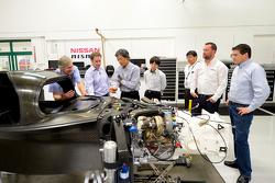 Engineers met de Nissan GT-R LM NISMO