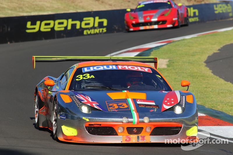 #33 Clearwater Racing Ferrari F458 Italia GT3: Mok Weng Sun, Toni Vilander, Matt Griffin