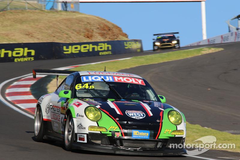 #64 Motorsport服务保时捷997 GT3杯: Tim Macrow, Peter Rulio, Devon Modell