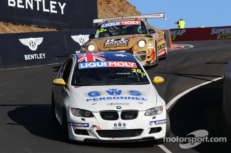 #28 BMW 335i E90: Ric Shaw, Jake Williams, Matt Chahda, Steve Devjak