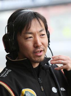 آياو كوماتسو، مهندس سباق فريق لوتس إف1