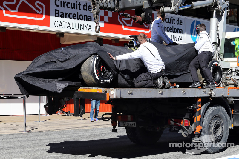 Mas tudo deu errado. O ano começou com o até hoje mal explicado acidente de Alonso nos testes de Barcelona, quando desmaiou no carro. O motor Honda se mostrou, além de pouco potente, pouco confiável e fez o time sofrer bastante com punições de grid.